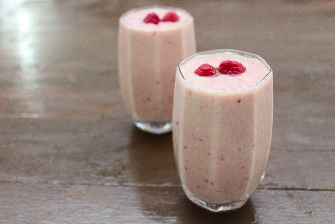 Mixed Berries and Banana Smoothie - Maya Kitchenette