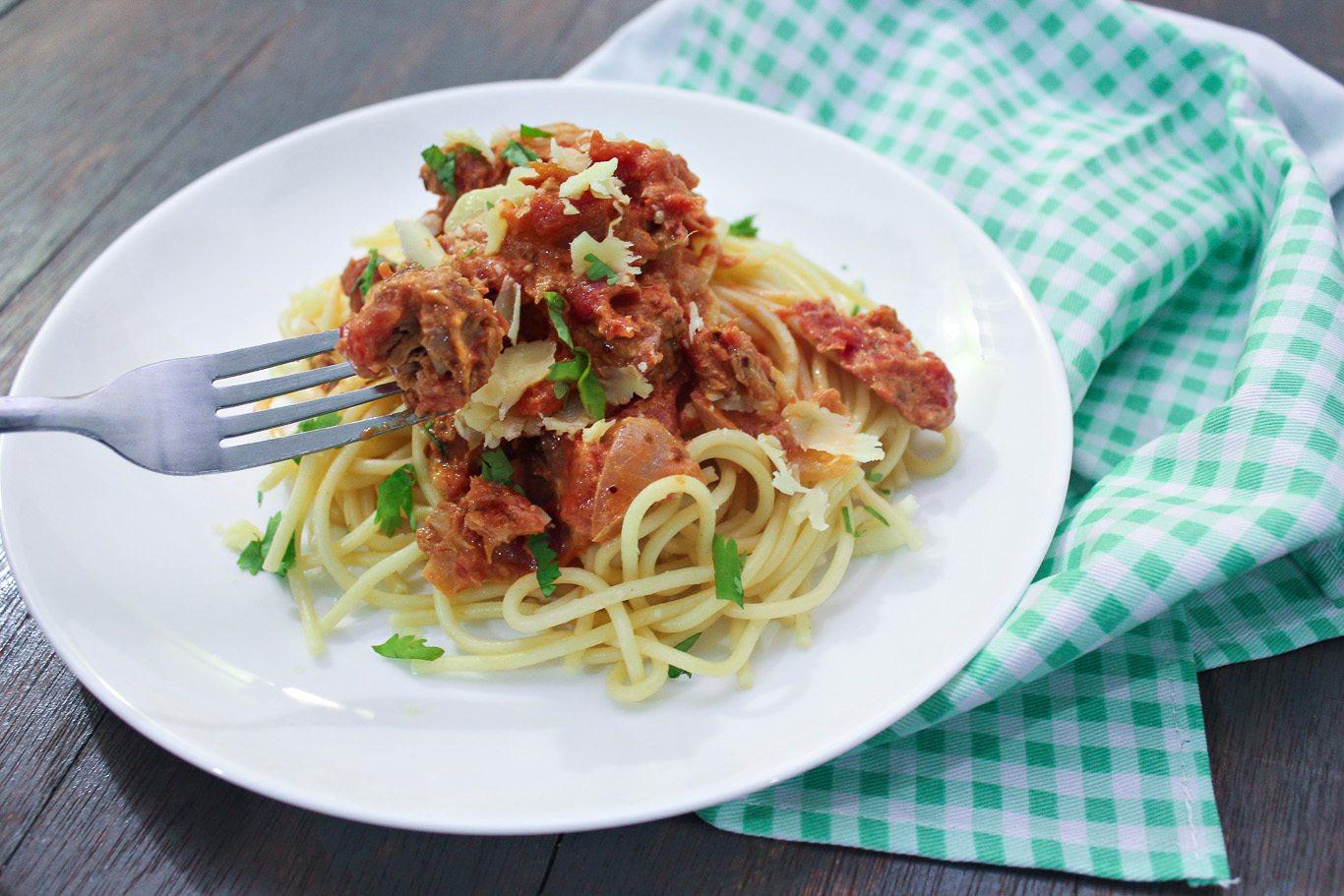 Pasta with Tuna and Tomato Cream Sauce - Maya Kitchenette