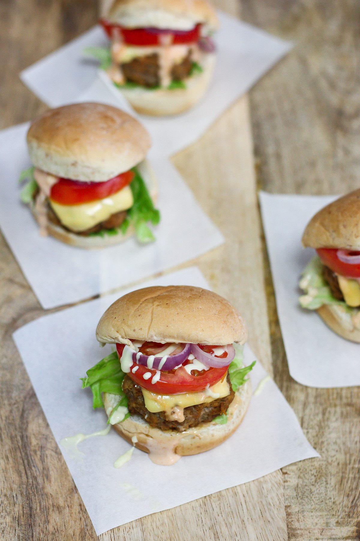 Beef Sliders With Sriracha Mayonnaise Maya Kitchenette