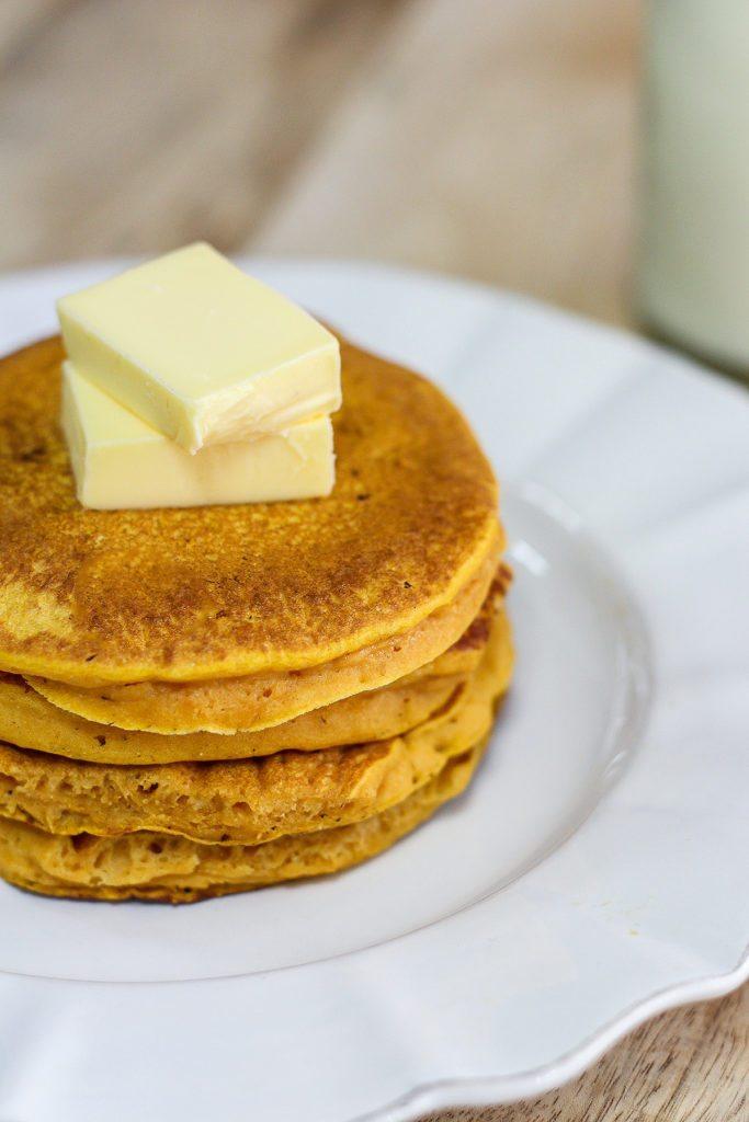 Delicious Pumpkin Spice Pancakes - Maya Kitchenette