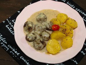 meatballs-and-gravy
