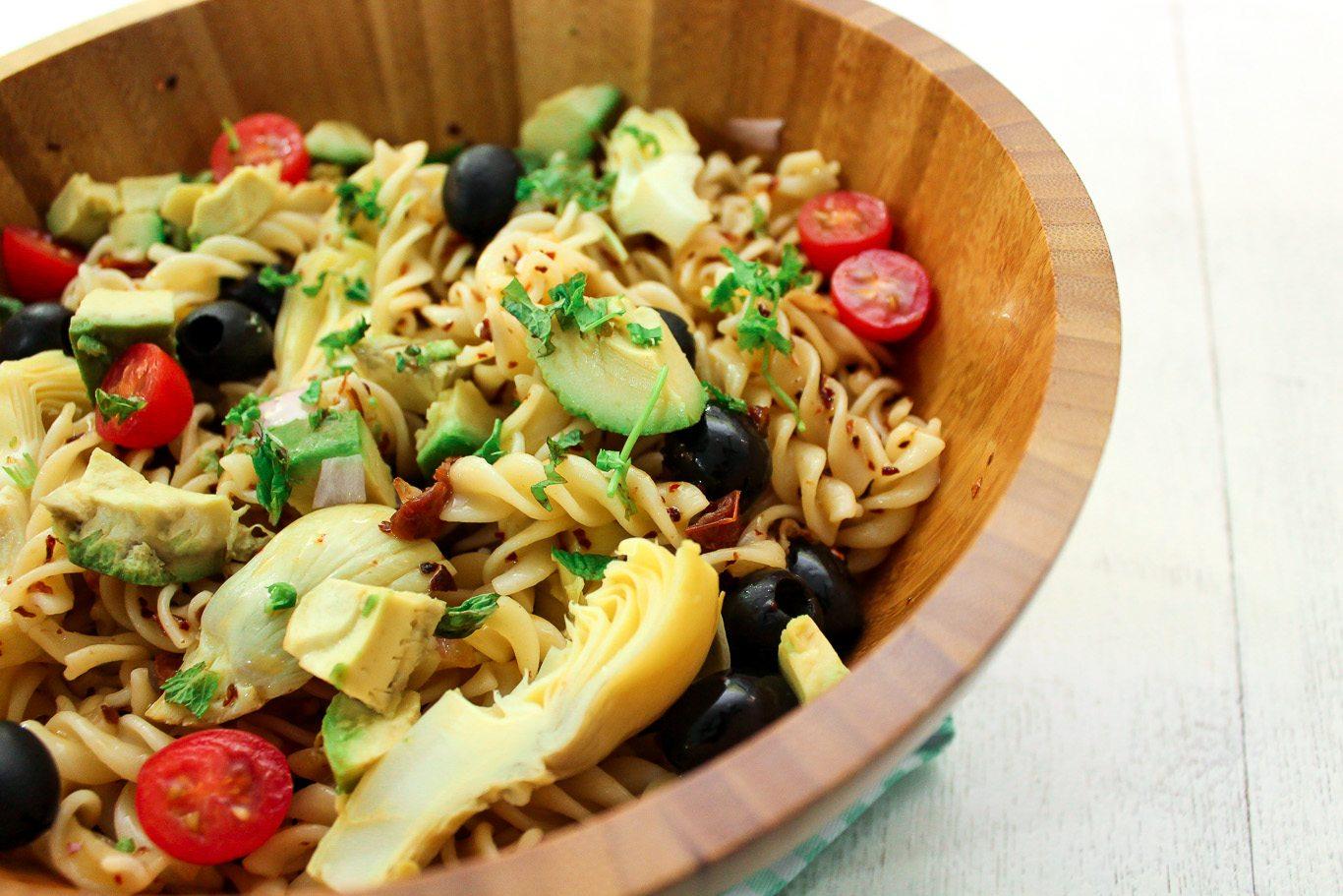 Avocado and artichoke pasta salad